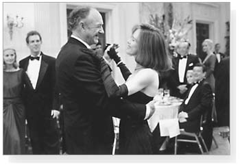 IMAGE- Gene Hackman and Judy Davis dance in 'Absolute Power'